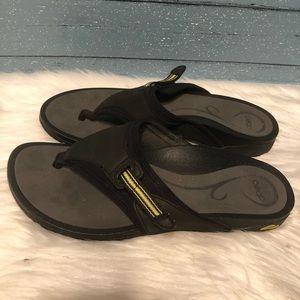 Abeo flip flop sandals Size 9
